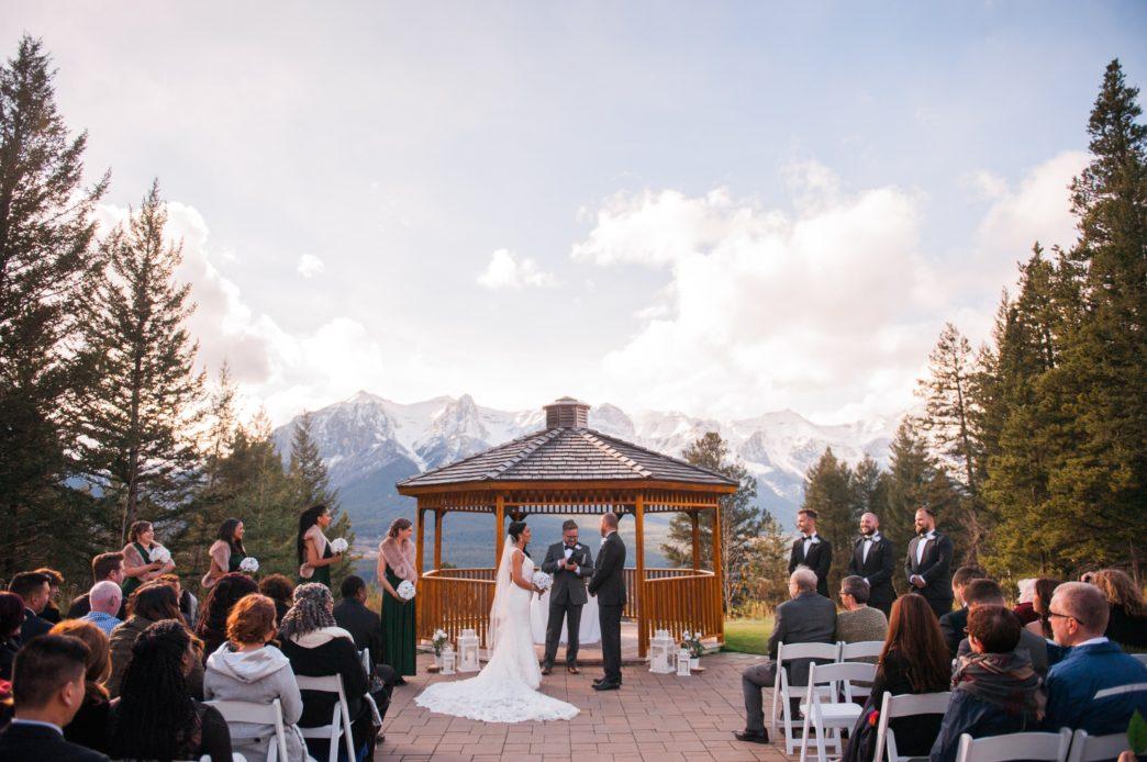 christina-edward-silvertip-resort-canmore-wedding-rhiannon-sarah-photography-83