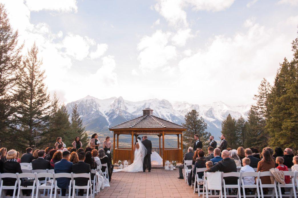 christina-edward-silvertip-resort-canmore-wedding-rhiannon-sarah-photography-94