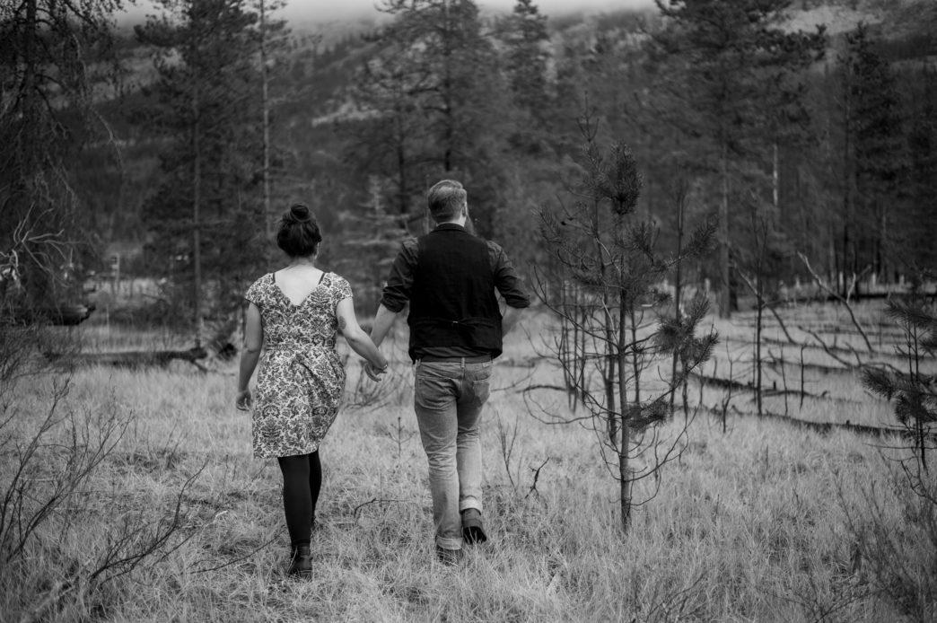 jess-tye-jasper-shoot-edmonton-wedding-photographer-rhiannon-sarah-photography 27
